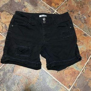 ⭐️Mudd Distressed Denim Shorts